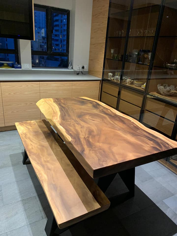Conjunto Mesa e Banco em Madeira de Suar, Papiro Wood