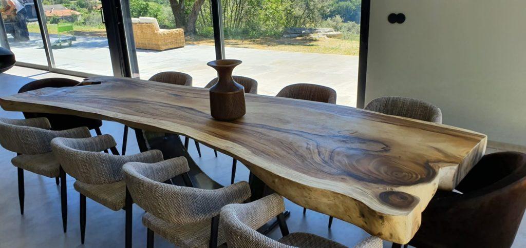 Mesa de jantar em madeira de Suar, Papiro Wood