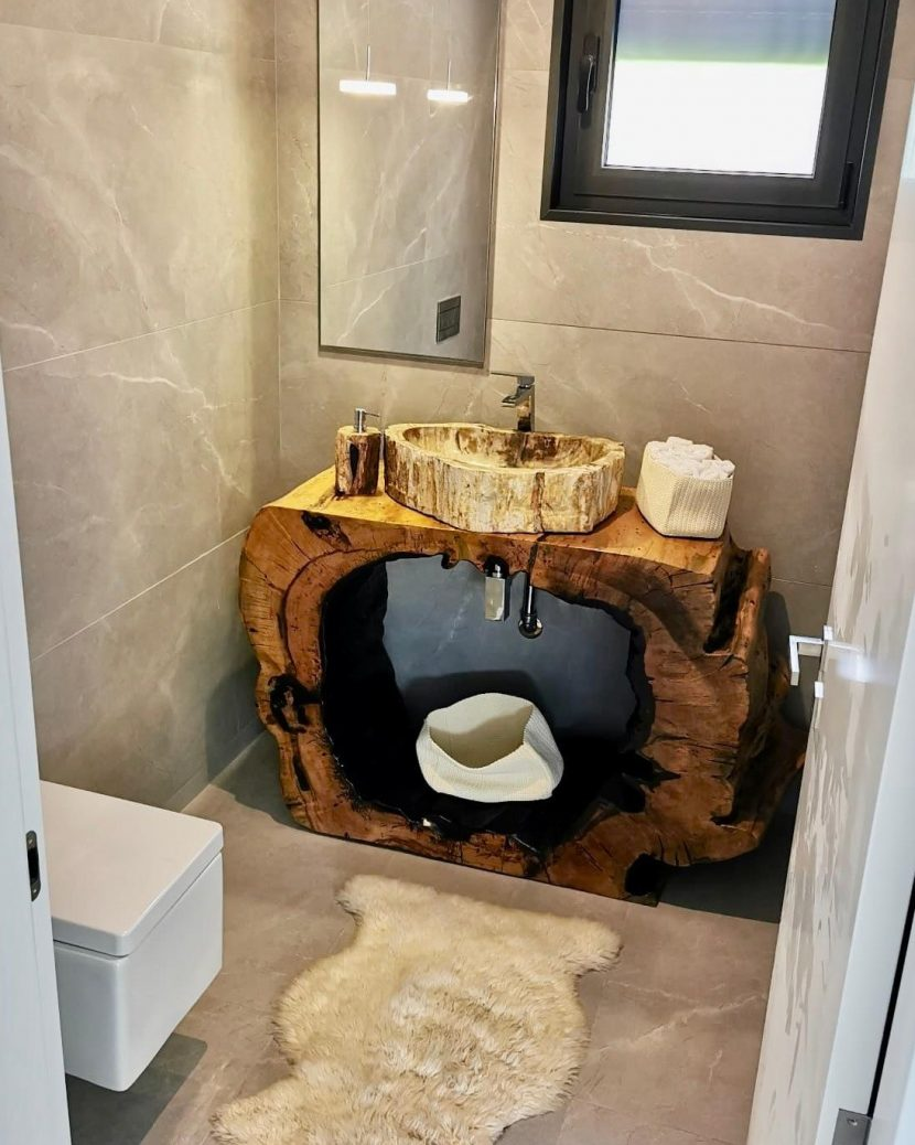 Móvel de WC em Tamarindo tropical & Pia em Madeira Petrificada